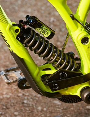 A RockShox Vivid R2C coil shock is driven by a low slung linkage to give 220mm of travel