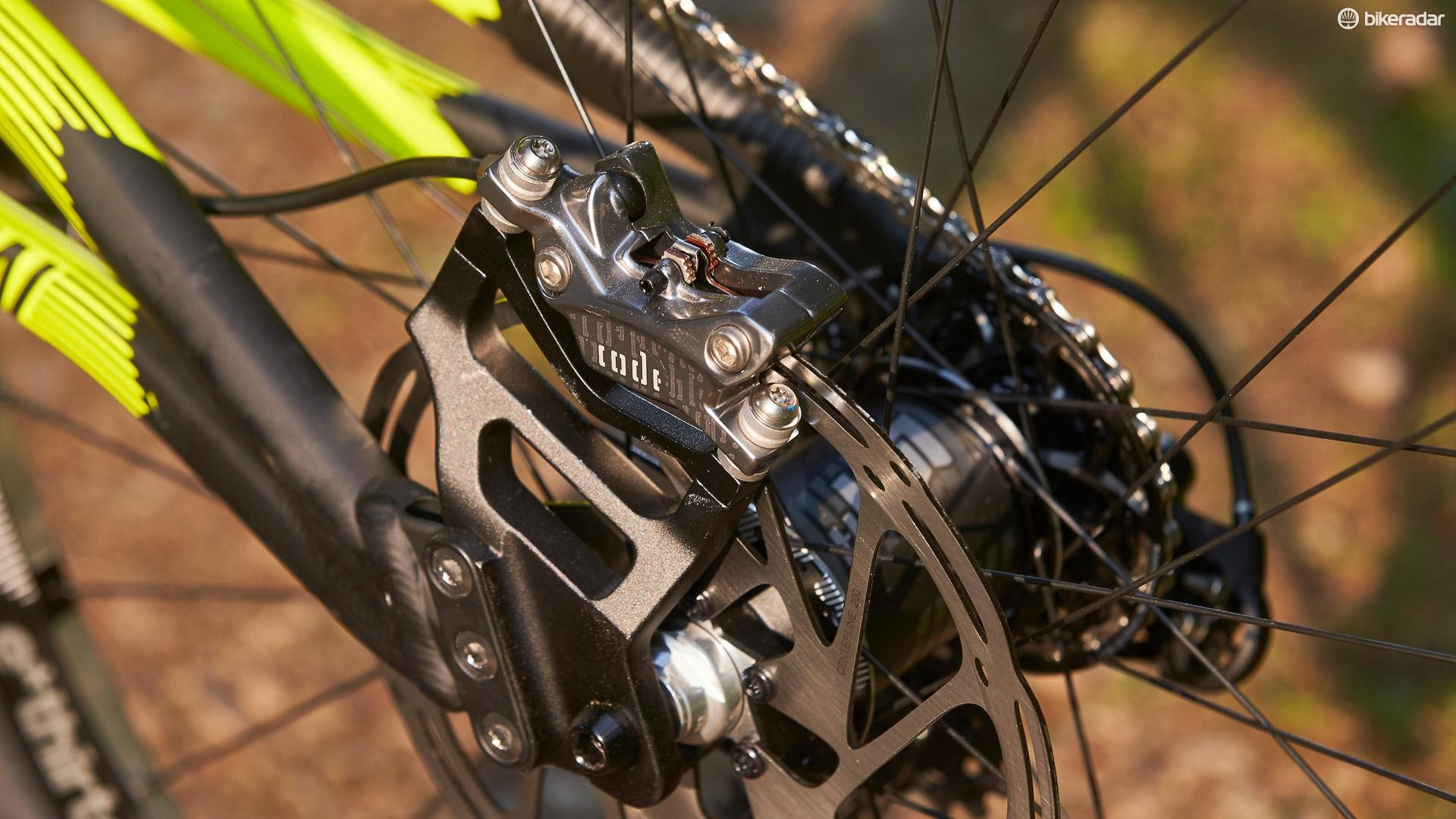 SRAM Code four piston stoppers do a fine job of hauling up the Supreme's bulk