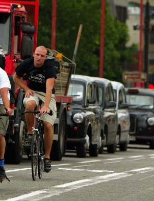 Cycle lanes often mean you can whizz past stationary traffic in the capital, though we'd always recommend keeping your wits about you. It is sometimes safer to take the lane rather than adhere strictly to the cycle lane.