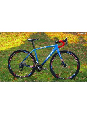 Trek designers and Knight Composites pulled out all the stops with this beautiful blue fade paint scheme and matching wheels