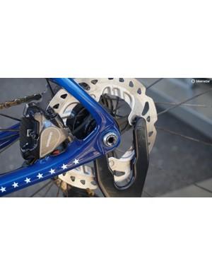 Compton has a 140mm Shimano ICE Tech rotor, flatmount caliper and Trek's Race Shop Limited 12mm thru axle