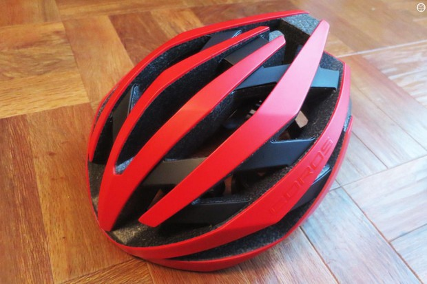 The Coros Omni is a good-looking helmet for one that contains so much tech