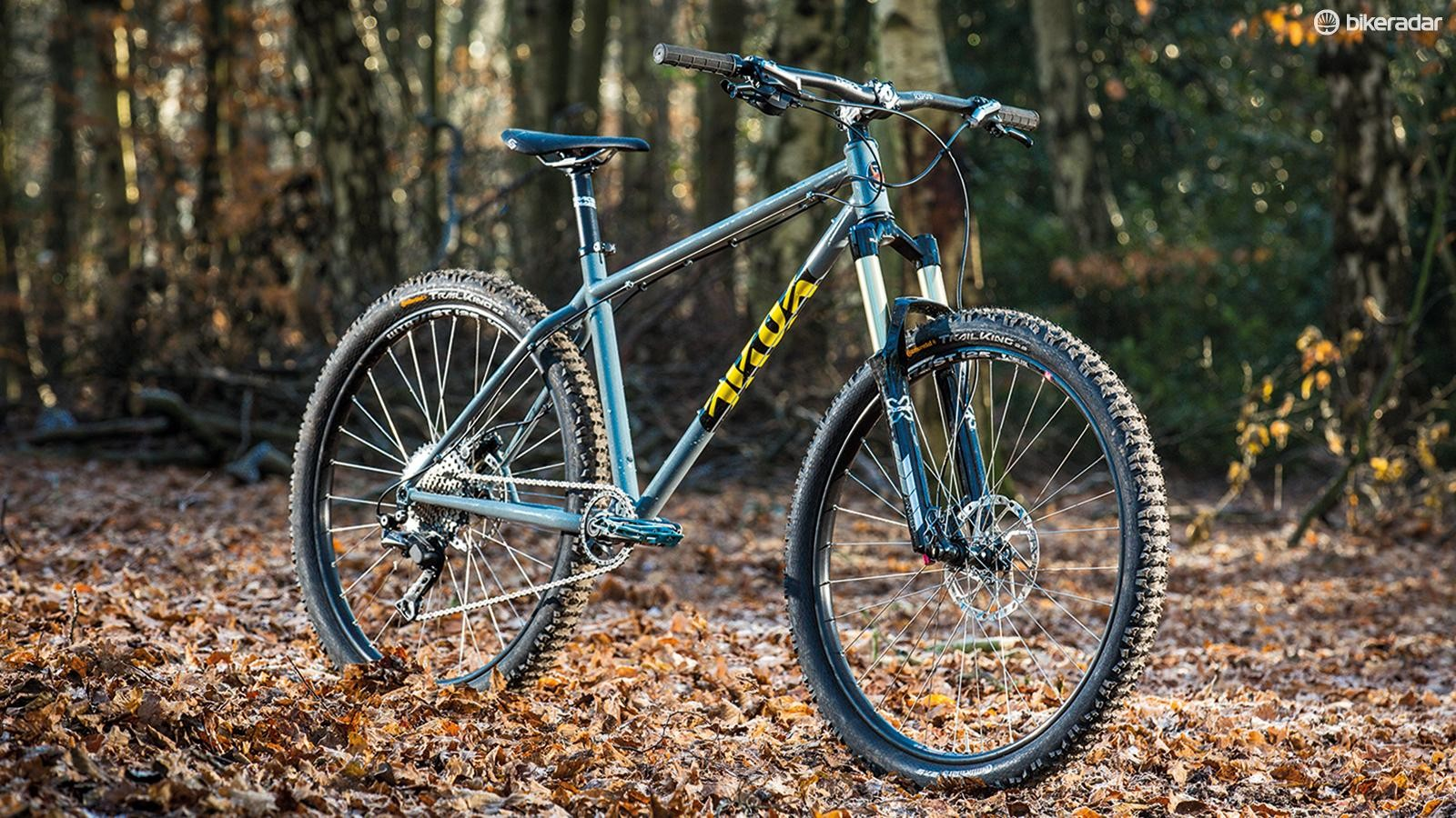 The 140mm X-Fusion fork suits the bike well in feel, but one with 120mm of travel or even less would give better-balanced geometry