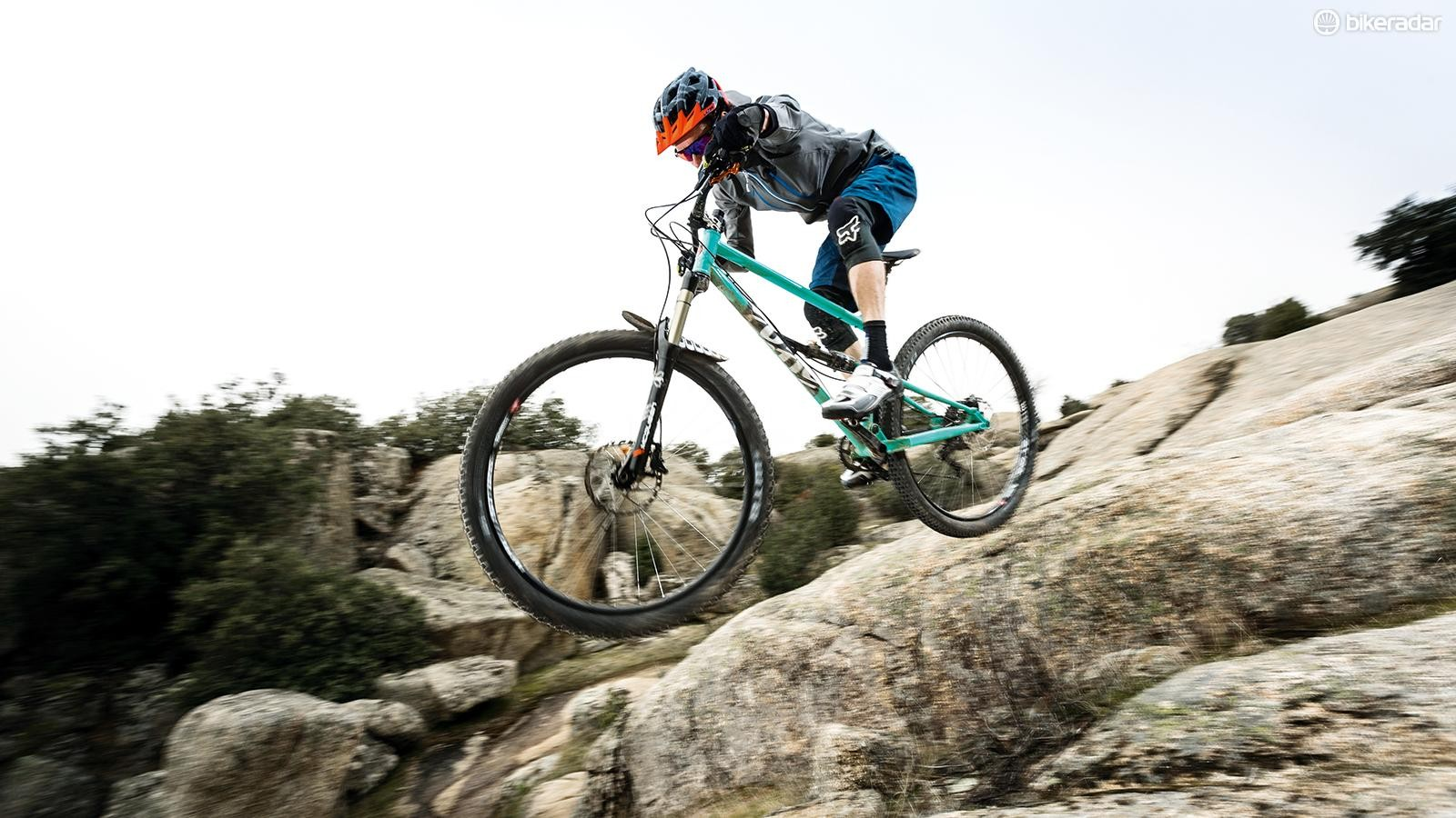 The bike is compatible with Plus or 29er wheel sizes