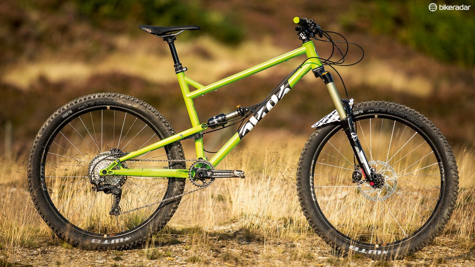 The Reynolds 853 steel mainframe includes Cotic's signature Ovalform top tube as well as a custom heat-treated seat tube to carry the 15mm linkage pivot axle