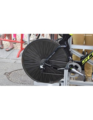 The majority of the Mitchelton-Scott team use unbranded Lightweight Autobahn rear time trial wheels