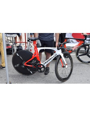 Michal Kwiatkowski's custom Pinarello Bolide in Polish national colours for the national time trial champion, which won the prologue