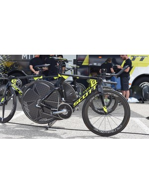 The Mitchelton-Scott team issue Scott Plasma