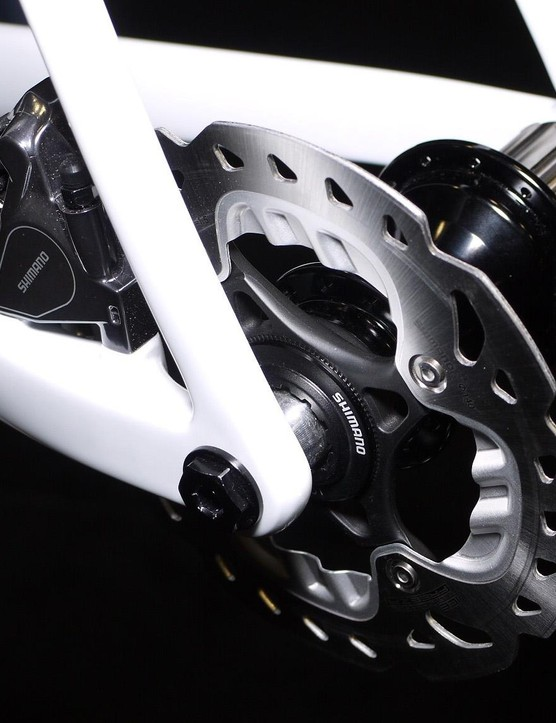 To Crumpton's knowledge his Type 5 disc prototype is the only bike with room for 700x35mm tires, 415mm chainstays and clearance for 53/39 chainrings