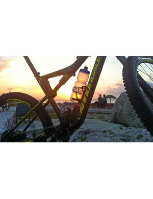 The gorgeous sunset from Havana's shoreline put a close on an interesting day exploring the city by bike