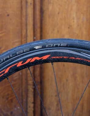The all-carbon, disc-specific deep aero Fulcrum rims handle confidently even in gusty conditions