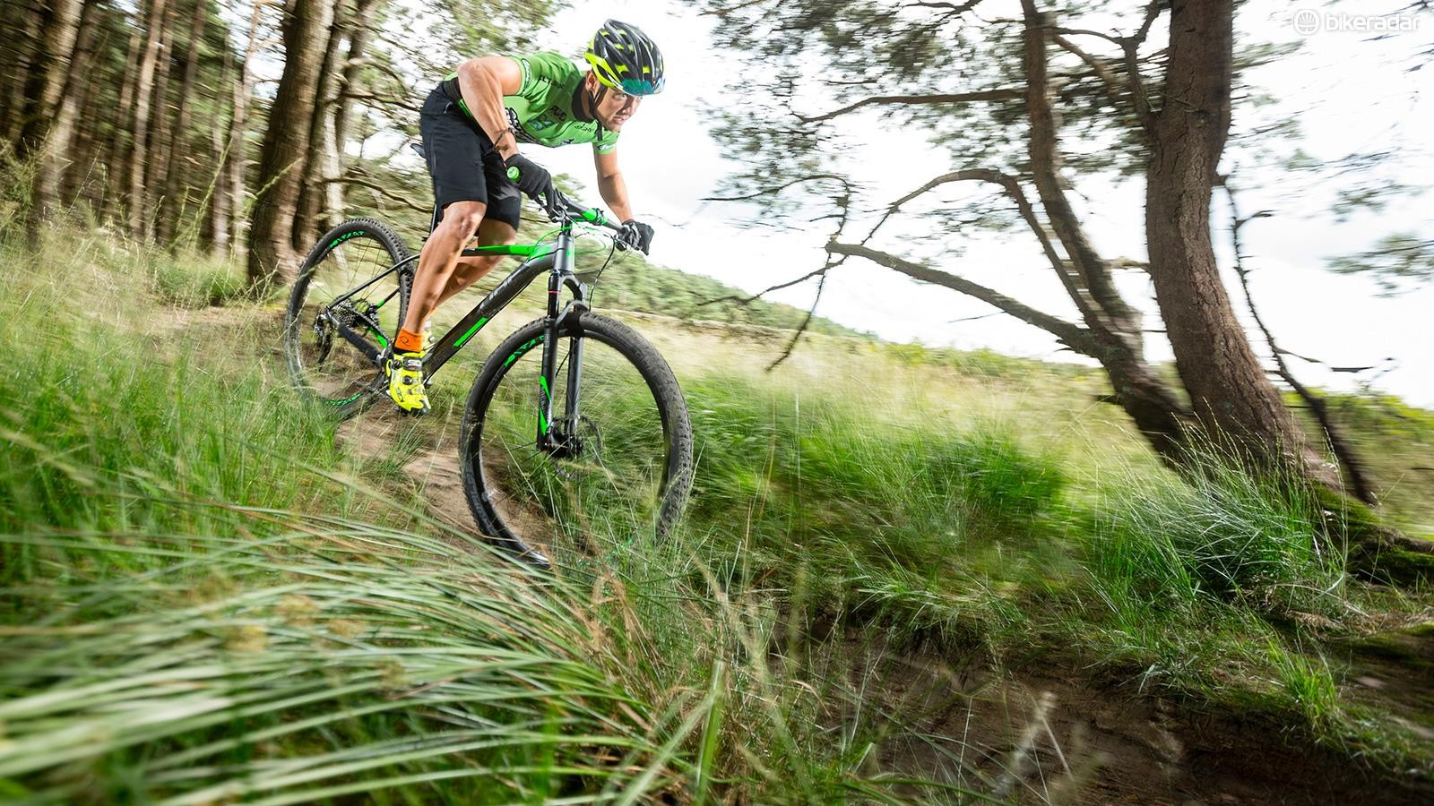 The Reaction HPA Pro comes with a RockShox Reba fork and Magura MT2 brakes