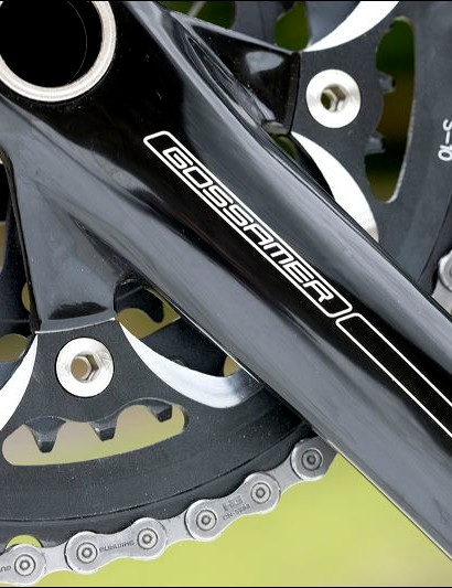 Black anodised FSA Gossamer triple chainset co-ordinates well with the frame