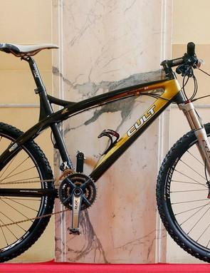 The Cult Black Gold XTR carbon hardtail.