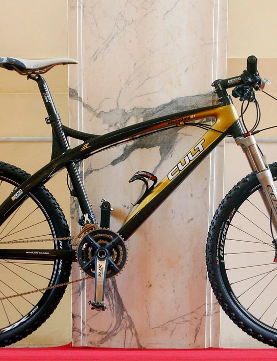 The Cult Black Gold XTR carbon hardtail.