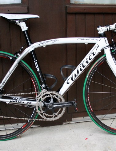 Damiano Cunego (Lampre) has a new Wilier Cento Uno in black and white, perhaps to match his ProTour leader's jersey.