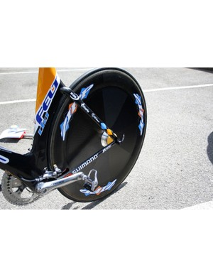 As is usual in time trials Vande Velde has a full rear disc, in this case a Sub9 from Zipp.