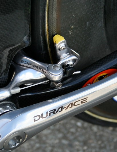 To keep it out of the wind the rear brake is located behind the bottom bracket.