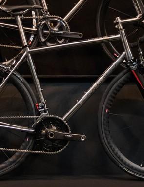 Vaaru also brought along its Octane 6-4 road bike