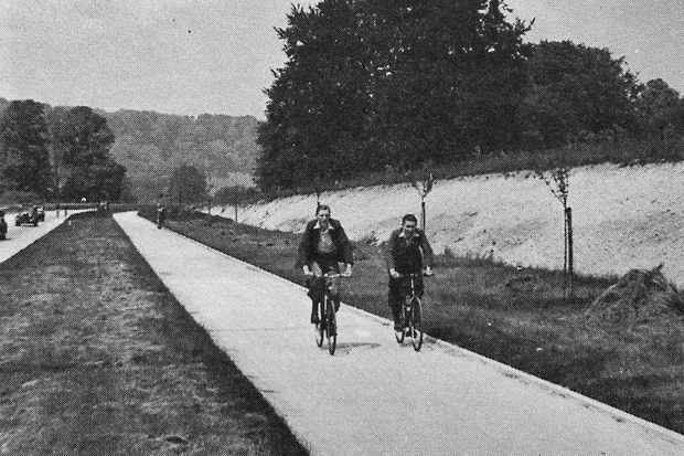 A cycle track (as the bike paths were then called) near Dorking, Surrey