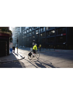 Cyclists breathe in fewer fumes on the street than drivers