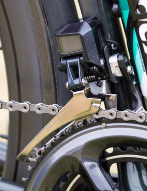Front shifting duties are taken care of by a Dura-Ace R9150 front derailleur