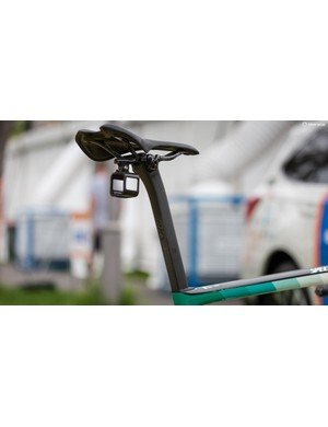 With a seat height of 820mm, there is a mile of seatpost sticking out of Oss' frame