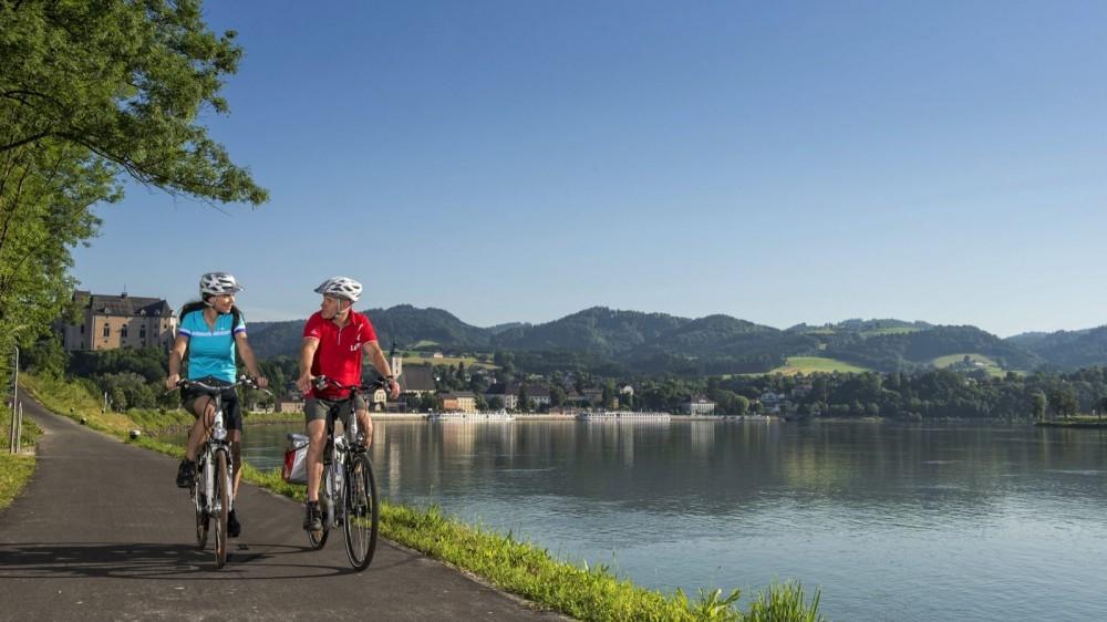 danube-cycle-path_grein-c-wgd-donau-obero-sterreich-tourismus-gmbh-erber-1459872202260-11w5s2vbavl83-1000-90-9ece639