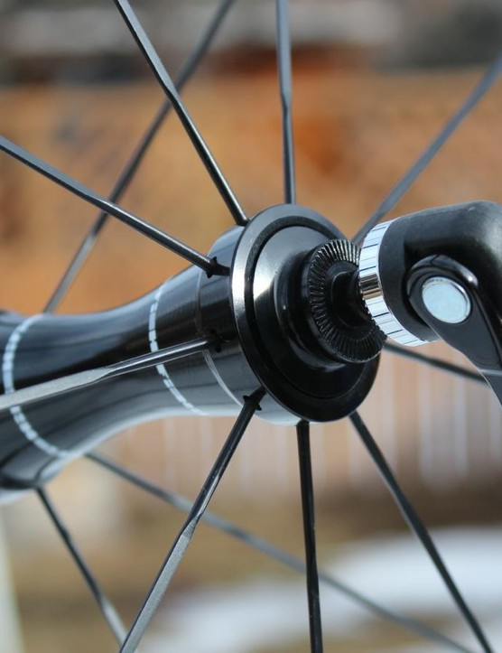18 front and 24 stainless spokes build up into the 1,630g wheelset