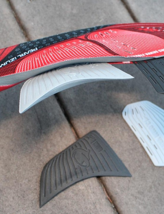 The Leader III insoles come with varus and arch support inserts to tune the fit