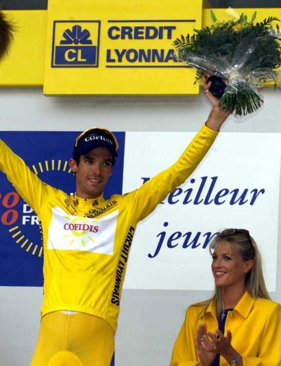 Millar holds the yellow jersey at the 2000 Tour de France