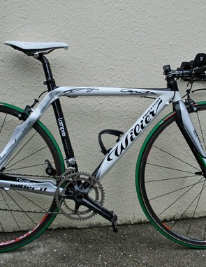 Cunego's Cento Crono is finished in matching livery but, like his road bike, it isn't a production model.