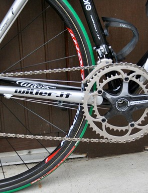 Cunego's drivetrain is 100% Campagnolo, but not all Record.