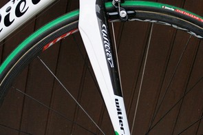The new Cento Uno fork has been squared at the crown.
