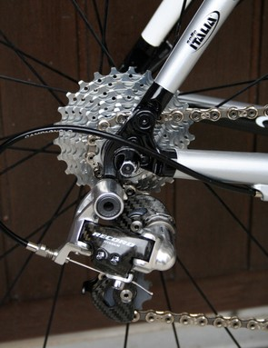 Despite the Chorus front derailleur the rear derailleur is strictly Record.
