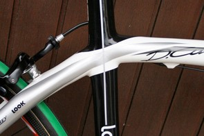 Just like the original Cento the top tube joins the seat stays in an organic seamless joint - the difference here is the extended seat tube.