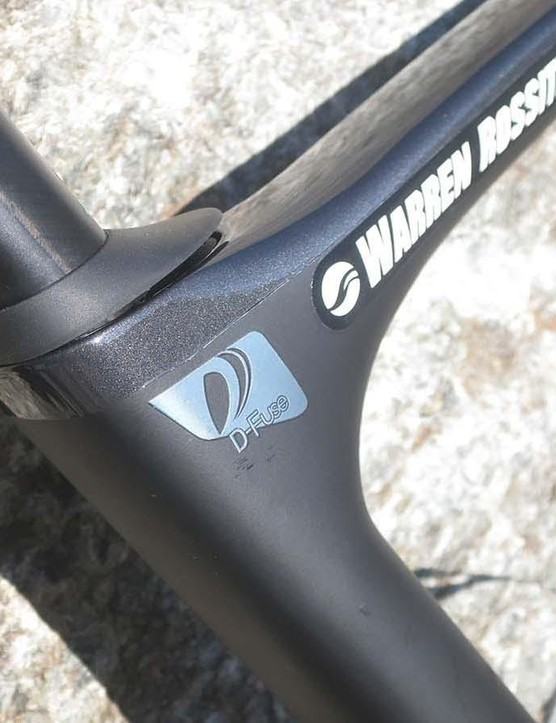 The D-Fuse post was on the previous generation Defy, but now it's joined with a bar that offers similar levels of compliance