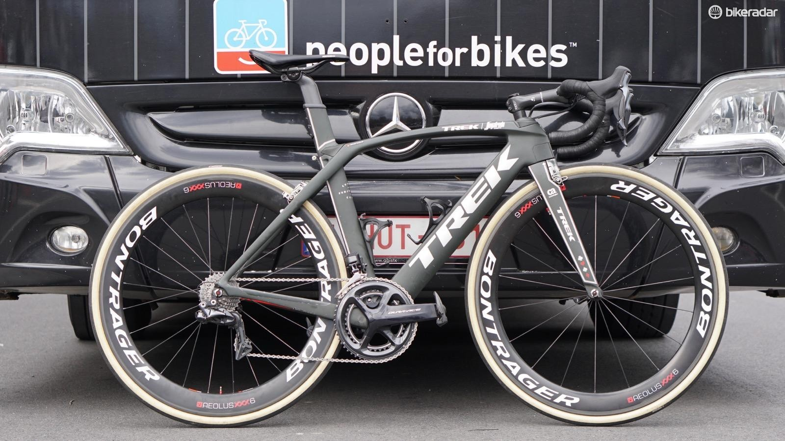 This is the bike Degenkolb will race at the Tour of Flanders, which has a standard handlebar but also shorter cranks and a Shimano power meter