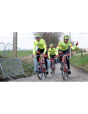 Many of Degenkolb's teammates have a similar Madone-with-standard handlebar steup. Here the team rides a very serious recon on the Kwaremont