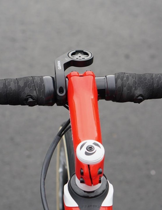 Bontrager XXX IsoCore bars have a vibration-damping internal sleeve to help contend with the cobbles