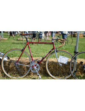 Another fine Italian - this time a rather tasty De Rosa SLX Team