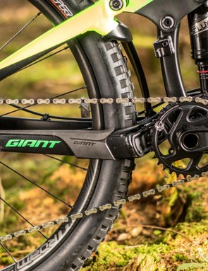 The complete transmission might cost significantly less than the top end Eagle offerings, but it weighs just a claimed 14 percent more than X01 Eagle, and feels incredibly similar on the trail