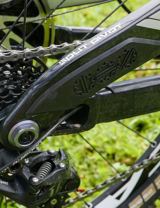 The Split Pivot suspension delivers 204mm of rear wheel travel