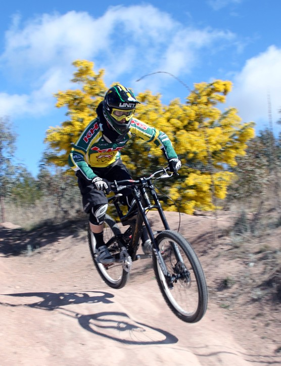 The downhill course zooms thorugh the tight, twisty Stromlo singletrack