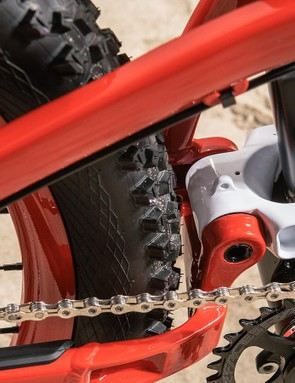 The Release series uses a removable front derailleur mount that attaches to the lower link