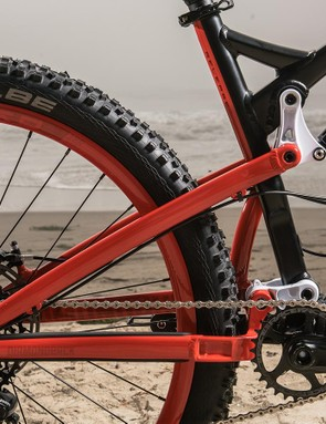 Diamondback is using a counter-rotating link design (akin to VPP) for its new full-suspension models
