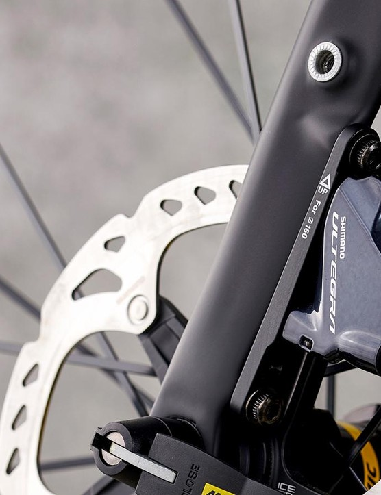 The Dolan's disc brakes are new Shimano Ultegra R8000 items