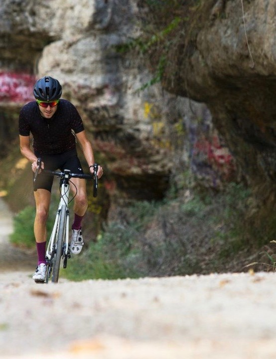 Of course, you could already ride the existing Domane on gravel. But this bike is spec'ed for dirt roads with tubeless wheels and 35mm Schwalbe G-One tires