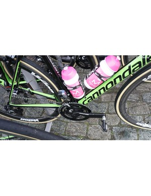 Sebastian Langeveld's Cannondale was equipped with a Shimano Dura-Ace 9000 series front derailleur