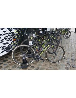 Matteo Trentin (Mitchelton-Scott) was the only rider on the team on a Scott Addict as opposed to the Paris-Roubaix winning Scott Foil